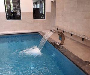 Massagestraal zwembad